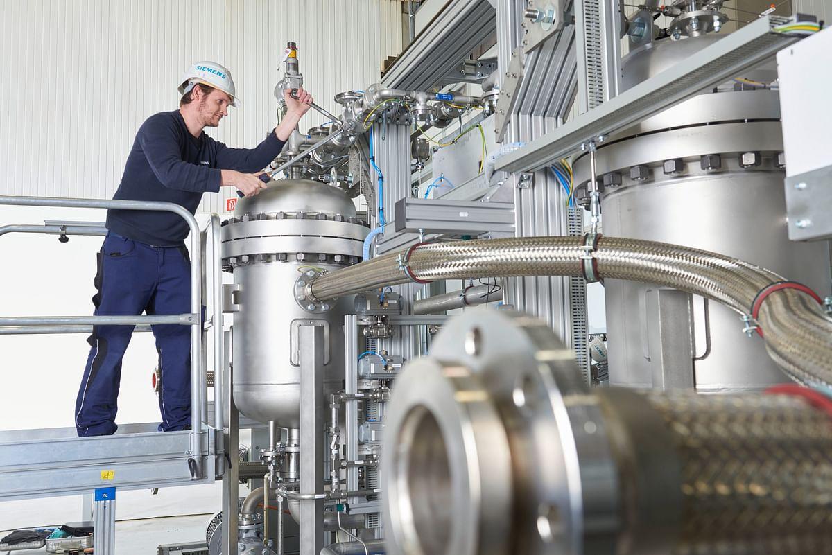 Green Hydrogen Pilot Plant Opens in Dubai