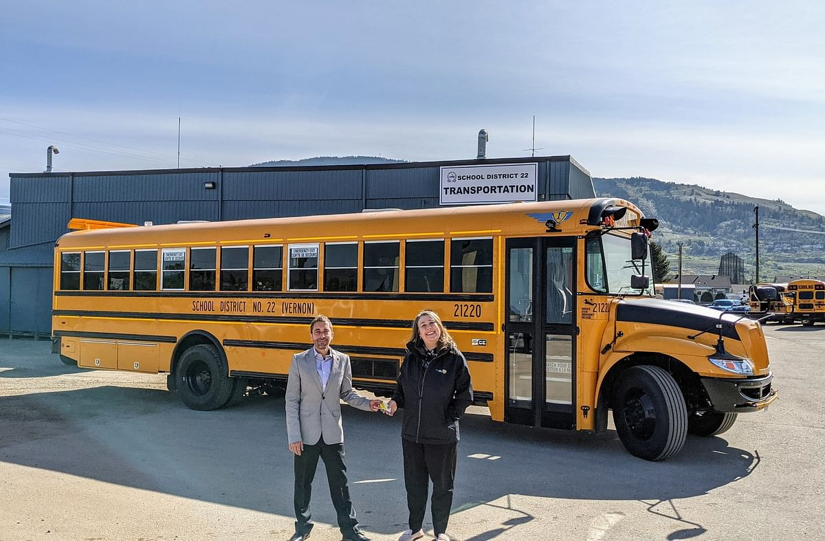 Navistar IC Bus Delivers Electric School Buses to Canada