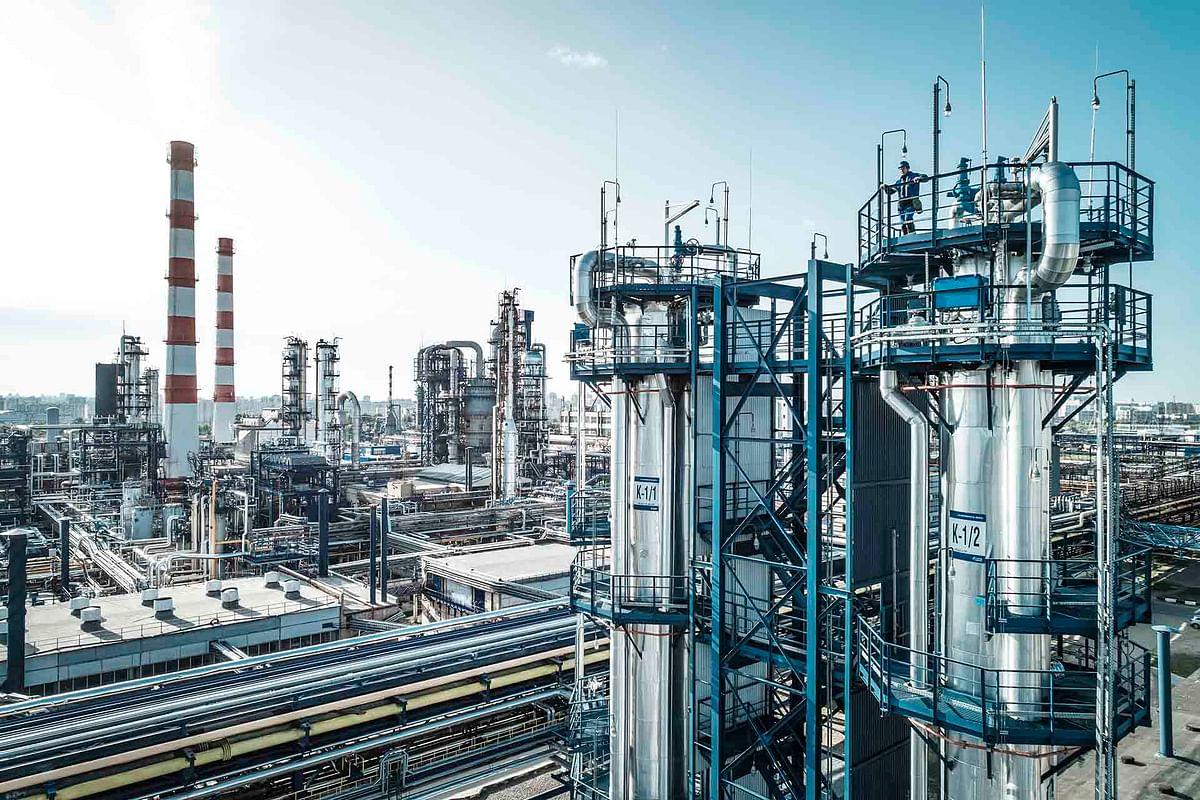 Slavneft-YaNOS Increases Refining Depth to almost 100%