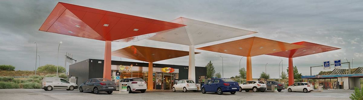 Repsol Sells Fuel Business in Italy to Tamoil