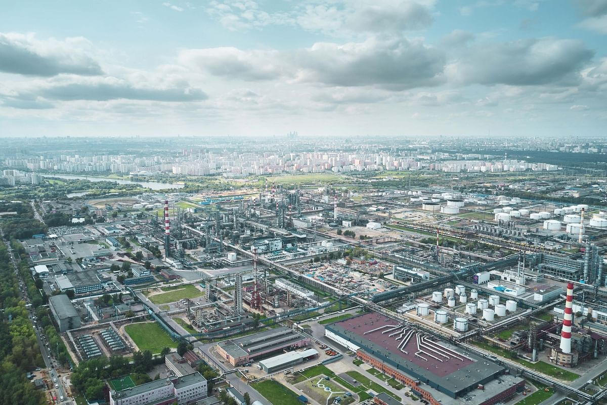 Gazprom Neft & DL E&C to Implement Project at Moscow Refinery