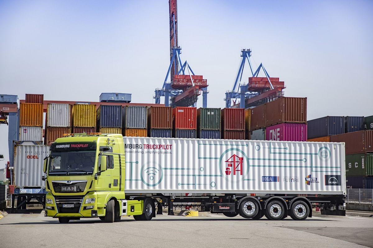 Hamburg TruckPilot at Port of Hamburg Celebrates Success