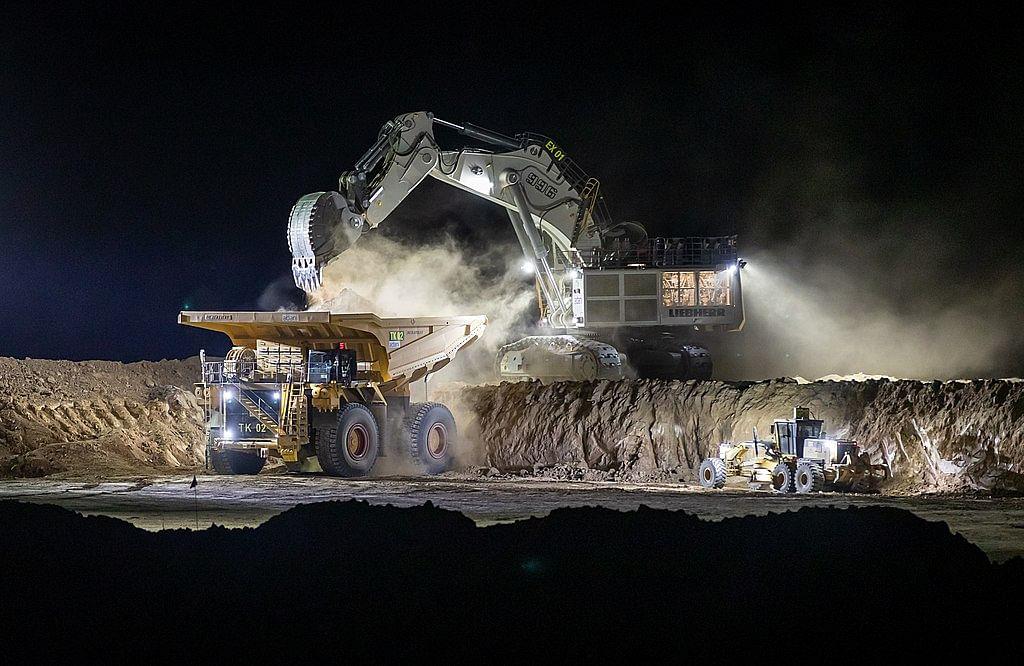 Critics Blast Adani Overs Coal to PVC Plan Using Australian Coal