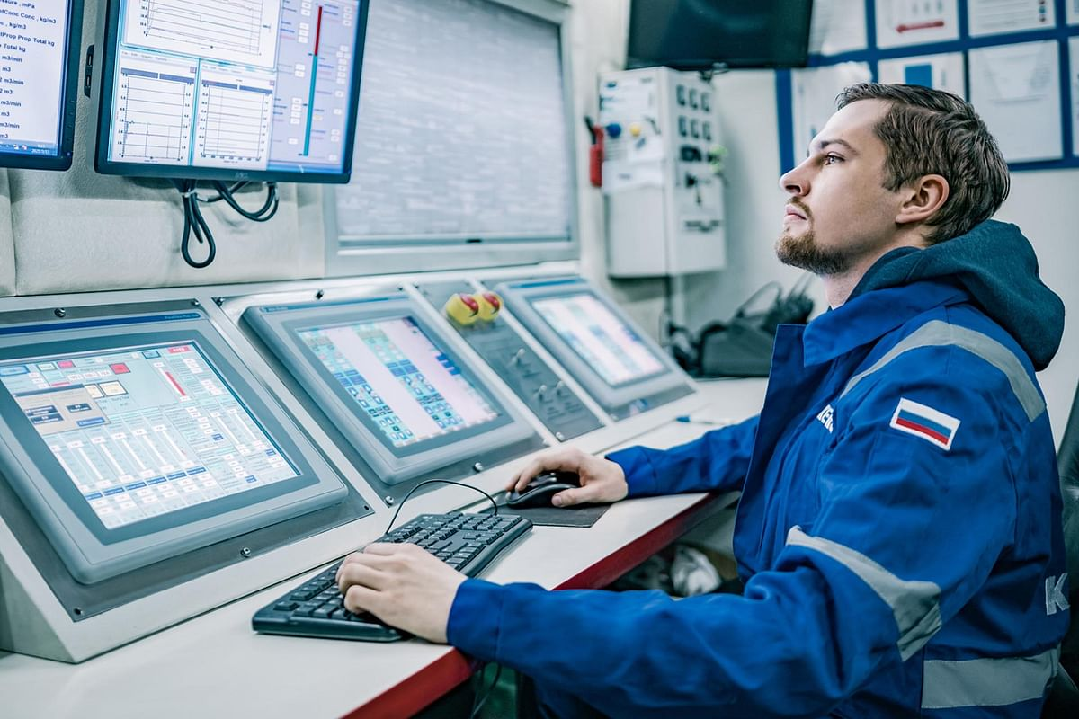 Severstal & EVRAZ Sign Pact with Gazprom Neft for Decarbonisation