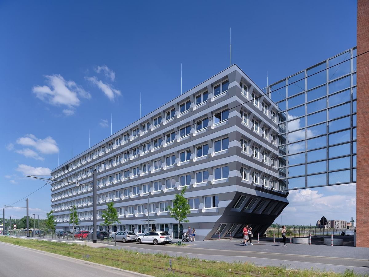 MVRDV Presents ZigZag Office Building in Mainz's Zollhafen