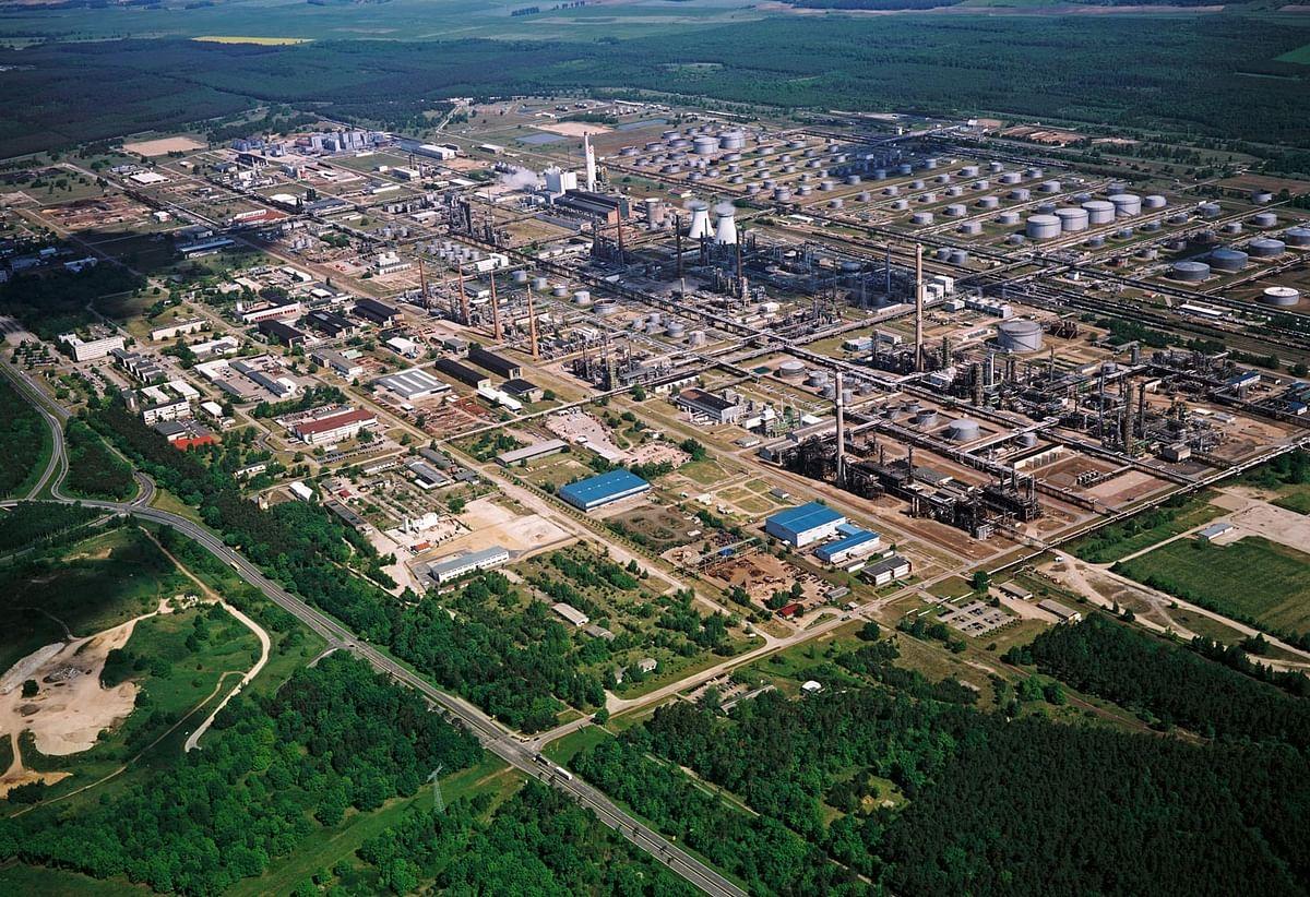 Shell Sells Stake in PCK Schwedt Joint Venture Refinery to Alcmene