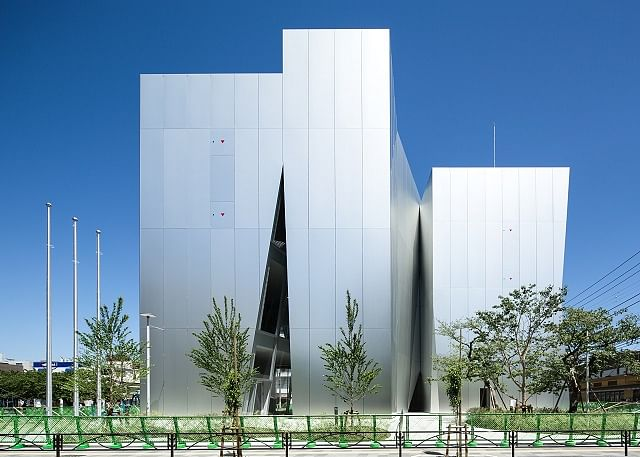 RUSAL Develops Facade Panels of Anodized Aluminium