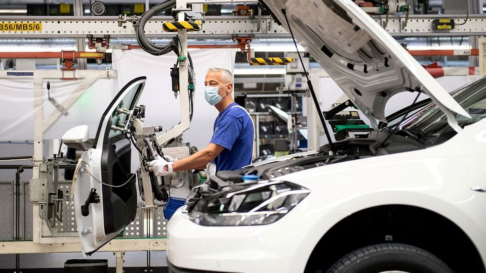 Auto Output in Europe to Recover by 15% in 2021