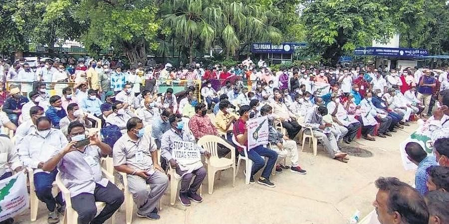 Visakha Ukku Committee Claims Huge Response to Protests at Delhi