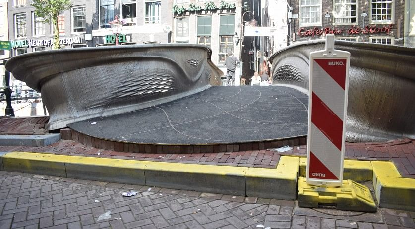 Access to 3D Printed Steel Bridge  Amsterdam Difficult for Elderly