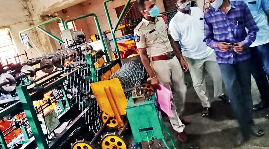 Fake Tata Wiron Chain Link Fences & Barbed Wires Seized in Nellore
