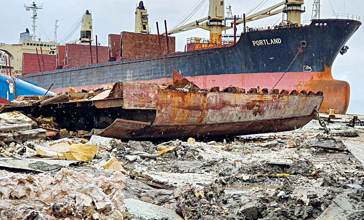 Bangladeshi Steel Ship Breakers Default on Large Loans