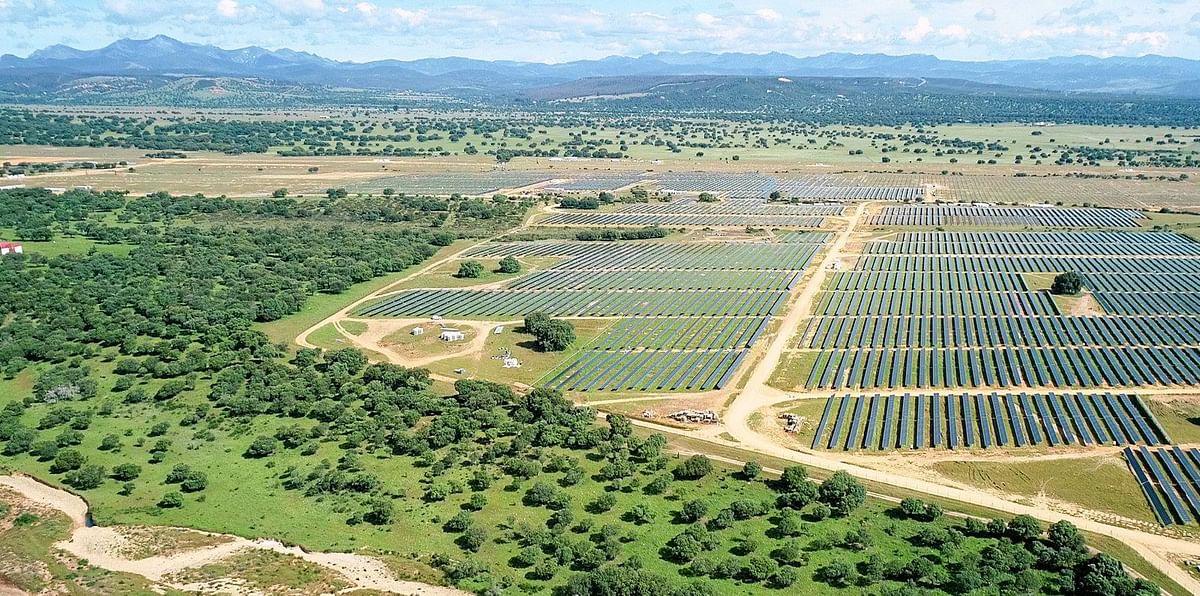 Repsol Starts Power Generation at Valdesolar Solar Farm in Spain