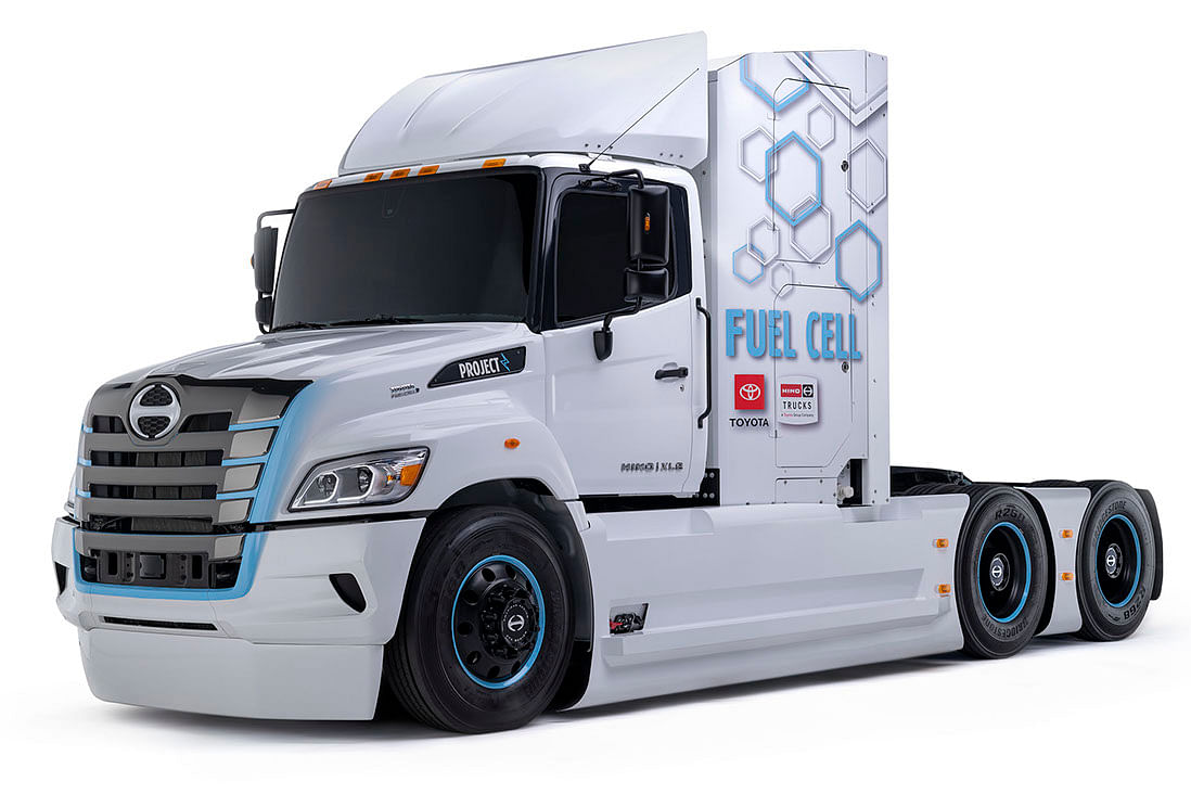 Hino Trucks Reveals XL8 Fuel Cell Electric Truck Prototype
