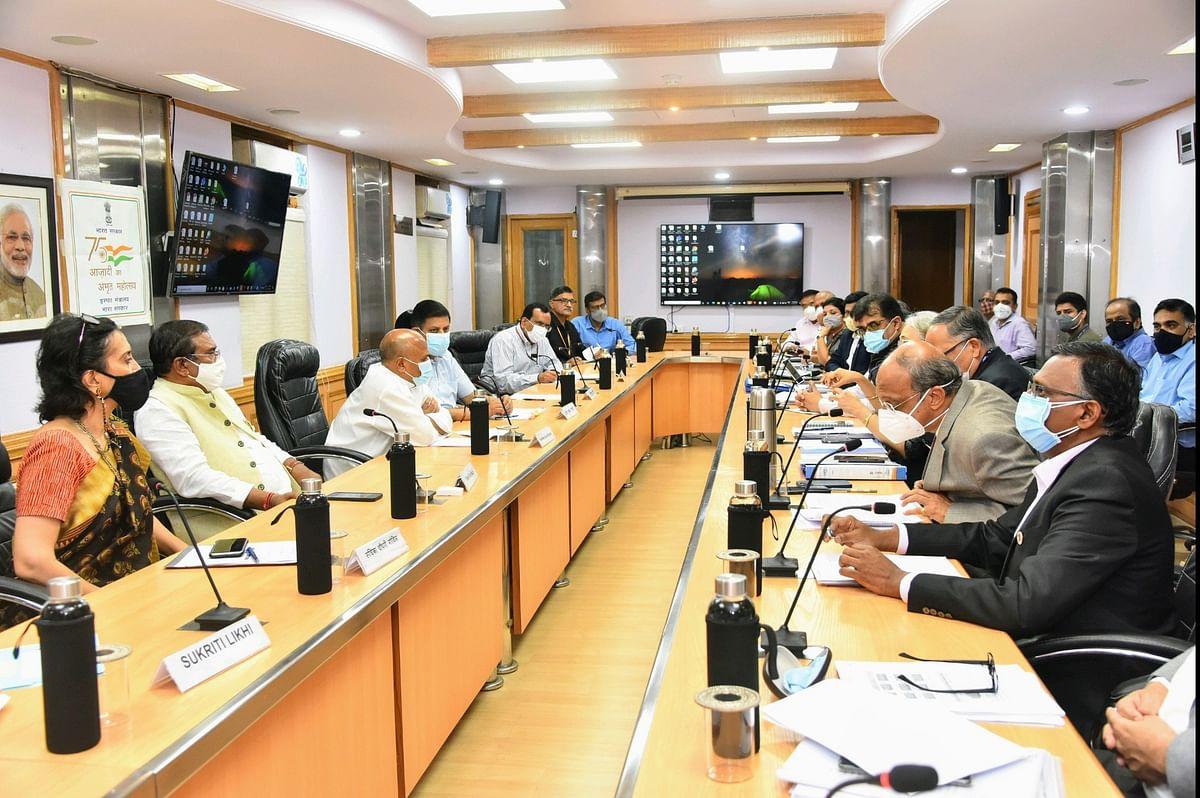 Steel Minister Reviews Marketing Strategies of SAIL & RINL