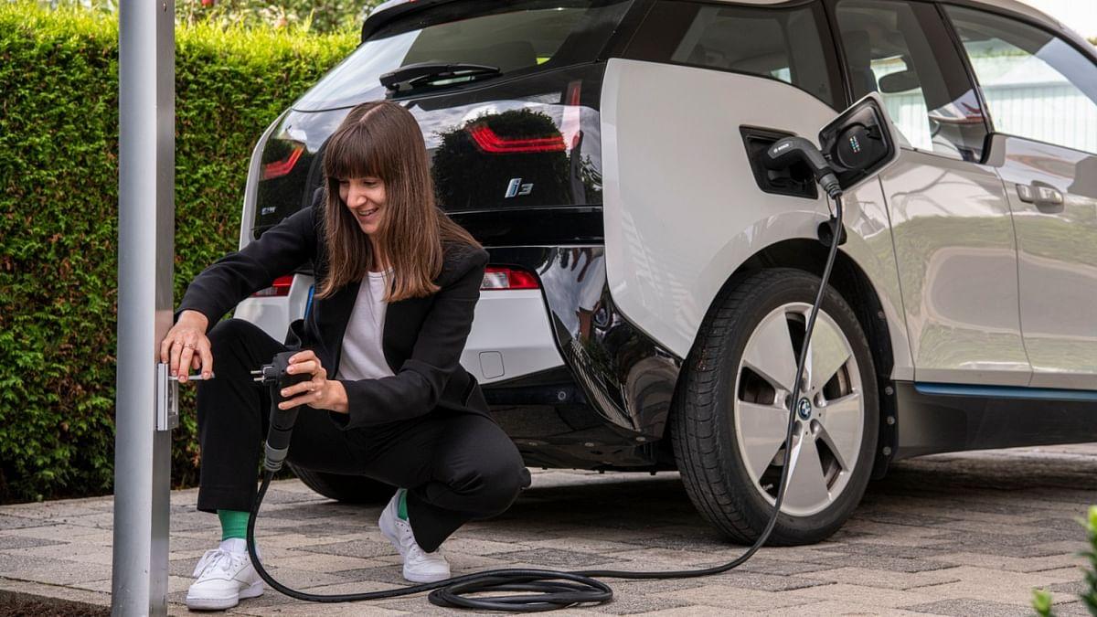 Bosch Develops Smart EV Charging Cable