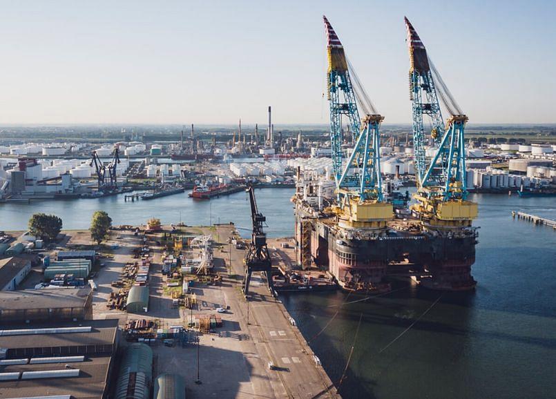 ADNOC Logistics Acquires Six Line Boats from Albwardy Damen