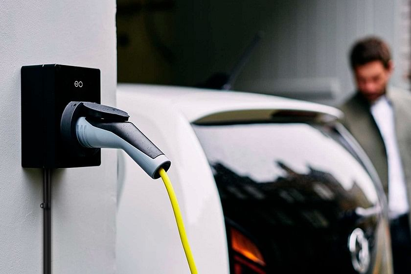ScottishPower Backs Shift to Electric Vehicles with EO Charging