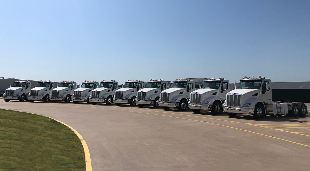 Peterbilt Delivers 579EVS to Shippers Transport Express