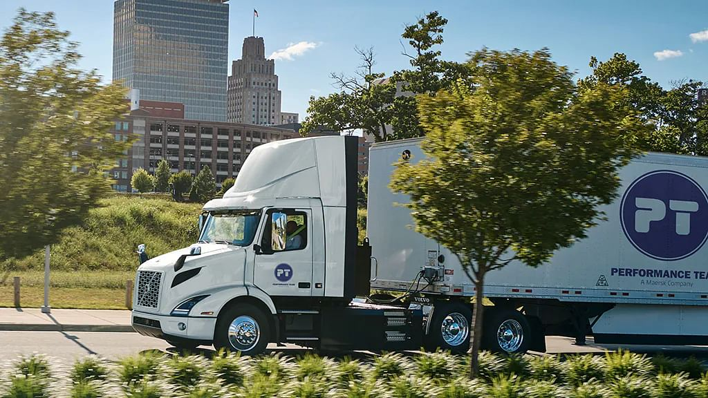 Maersk Performance Team Buys 16 Volvo Electric Trucks