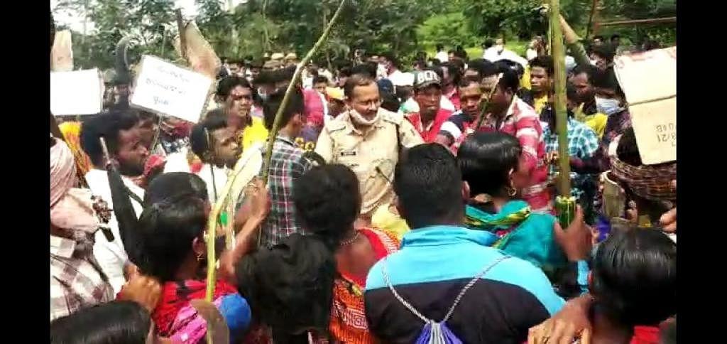 Protestors Disturb Hindalco's Bauxite Mining Meeting in Koraput