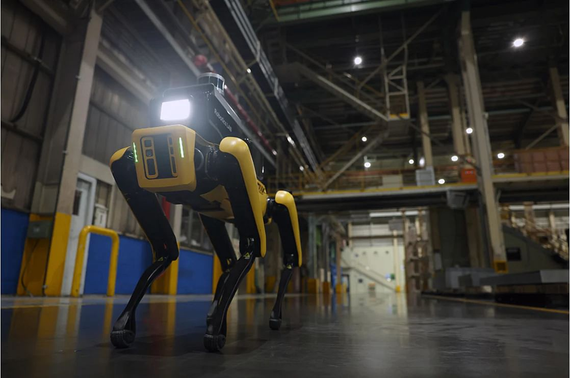 Hyundai Launches Factory Safety Service Robot Project