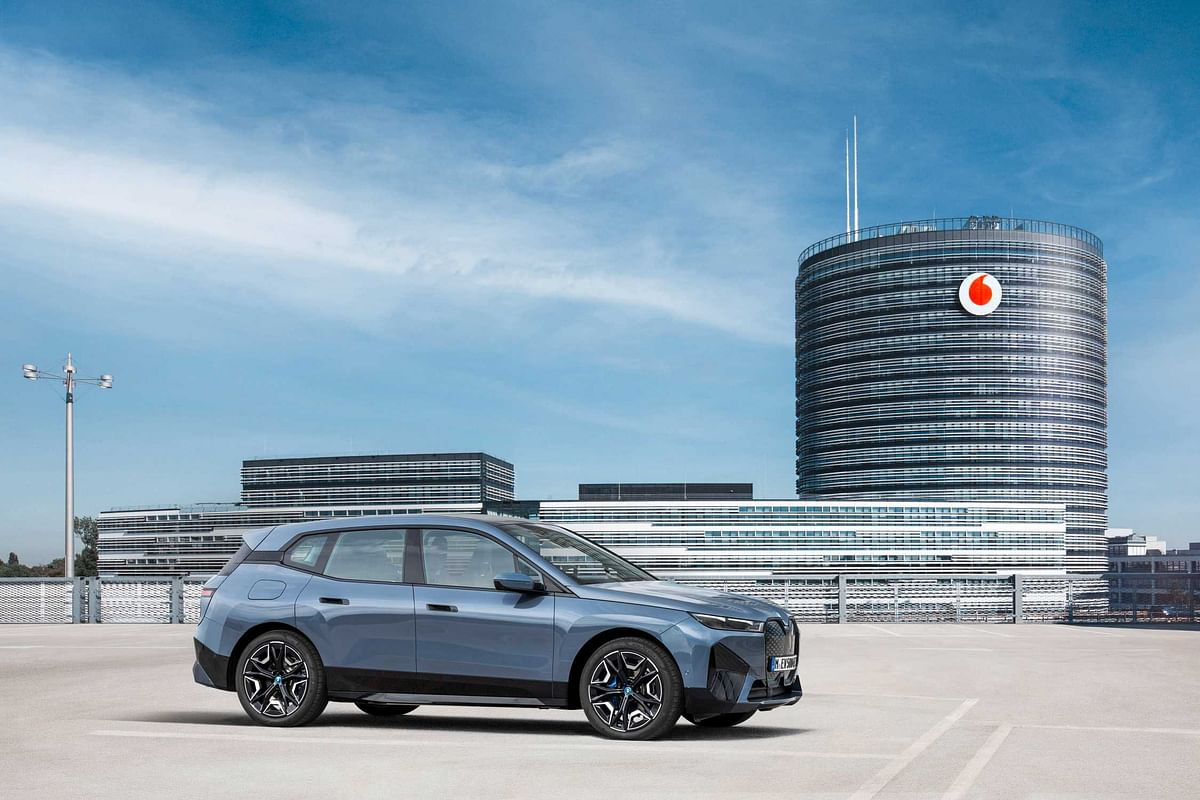 BMW & Vodafone Integrate 5G Networking in Vehicle