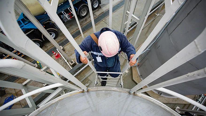Maersk Invests in WasteFuel to Develop Green Bio Methanol