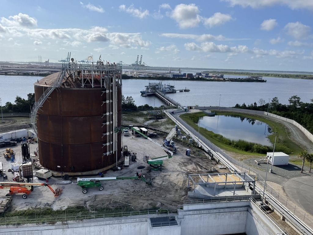 JAX LNG & Tote Complete LNG Bunkering in United States