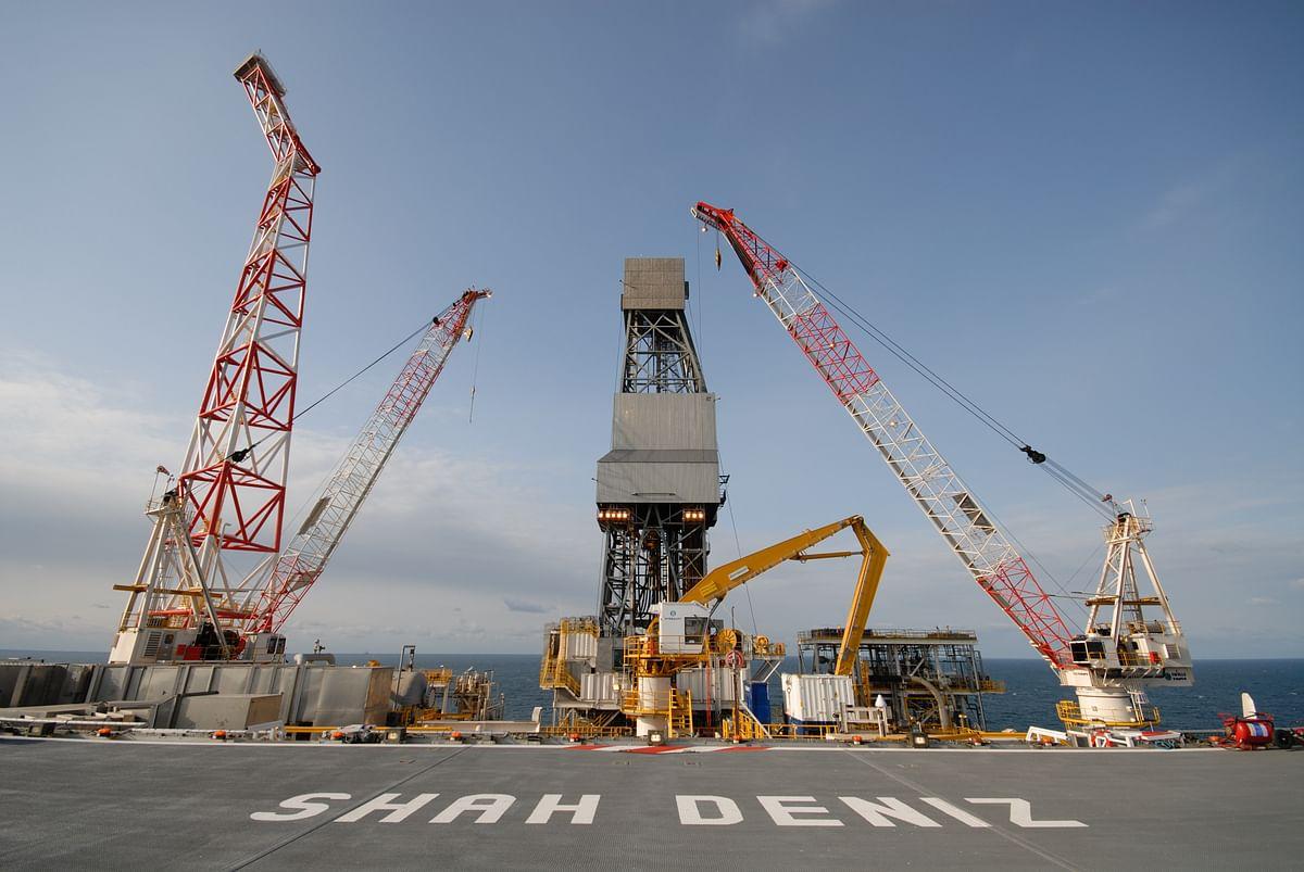 LUKOIL Increases Share in Shah Deniz Project in Caspian Sea