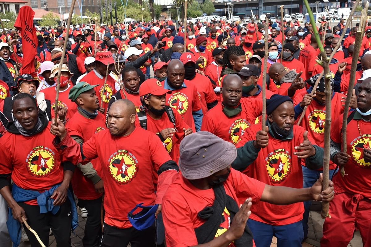 Strike Continues in South Africa as NUMSA Rejects Revised Offer