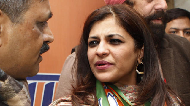 Watch: Small Group Of Indians Led By BJP Leader Shazia Ilmi Confront Hundreds Of Pakistani Protesters In Seoul