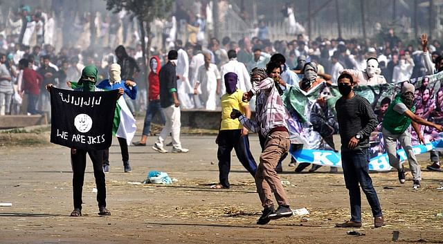 Stone pelters in Jammu and Kashmir. (Abid Bhat/Hindustan Times via Getty Images)