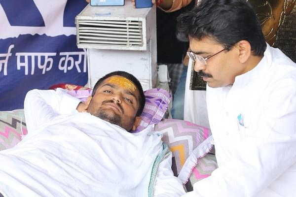 Is Hardik Patel really fasting? Reports Claim He is Gaining Weight