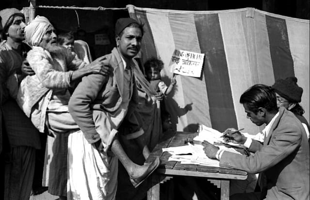 1952 General Elections: Like An Exam For An Infant