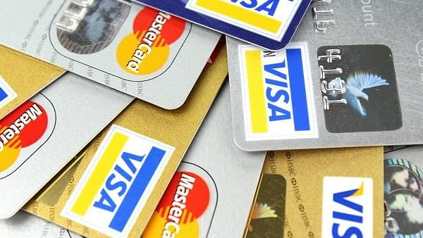 Though More Indians Use Debit Cards To Shop Online, Average Spend For Credit Cards Is 400 Per Cent Higher