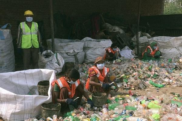 Chhattisgarh: Ranked Second In Cleanliness, Ambikapur Now Gets A 'Garbage Cafe' Exchanging Plastic Waste For Food