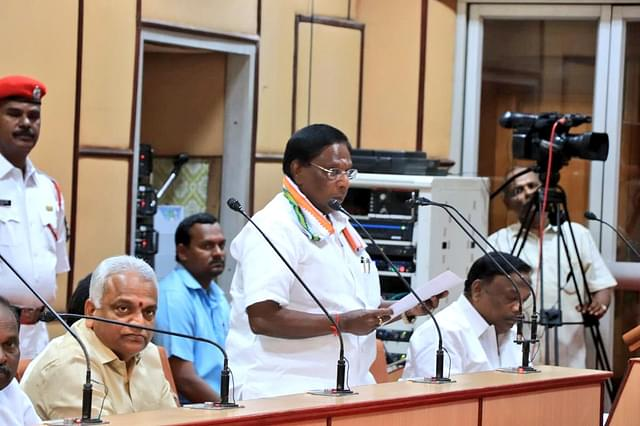 Allow Politicians To Get Vaccinated In The First Phase, Puducherry CM V Narayanasamy Writes To PM Modi
