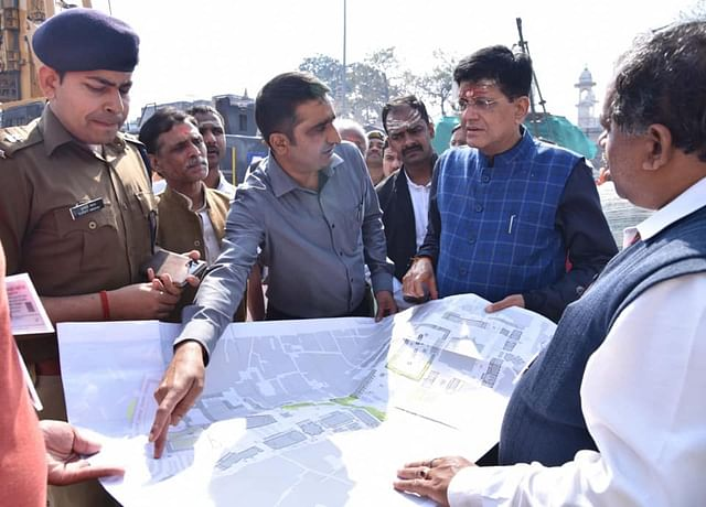 CEO Vishal SIngh with Union Minister Piyush Goyal at the site