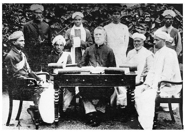 (Muruganar seated on the left side; Picture ofthe first Tamil Lexicon Committee)