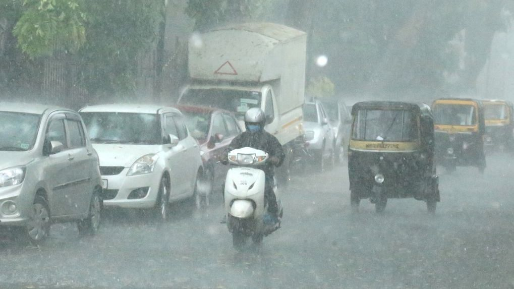 Pune: Heavy rains lash city; Pune University postpones online, offline examinations