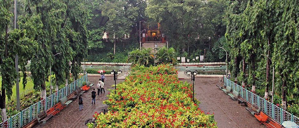 Mayor Murlidhar Mohol declared that the gardens in Pune will be allowed to reopen from November 1