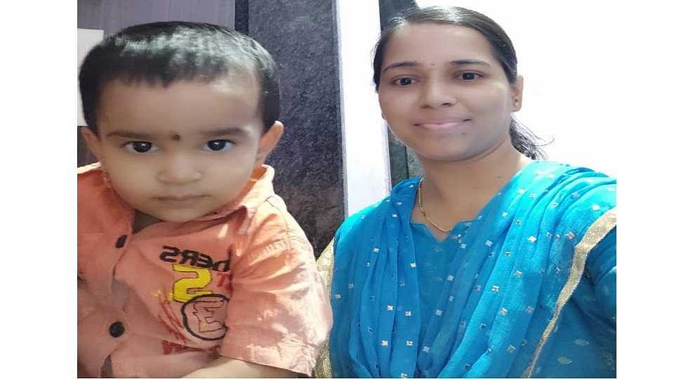 Pune: 'Superwoman' rescues 1.5-year girl locked inside flat on third floor by descending from terrace using a rope