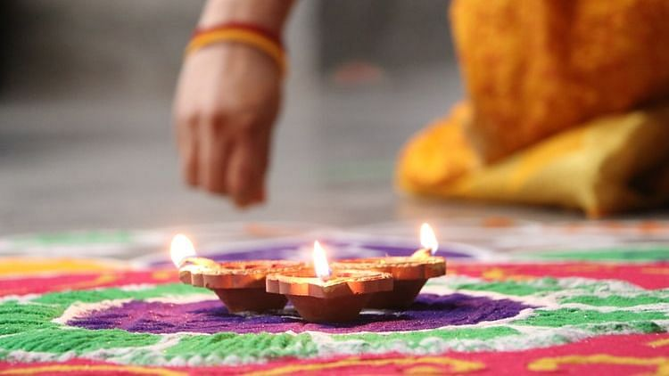 Puneities, opt for low-key and responsible Diwali celebrations this year