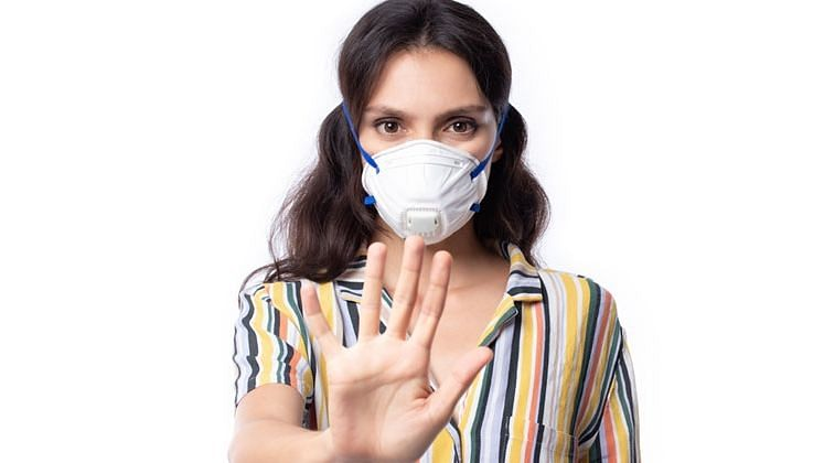 Flouting COVID norms in Mumbai? Pay Rs 200 fine and get 'free' mask from BMC