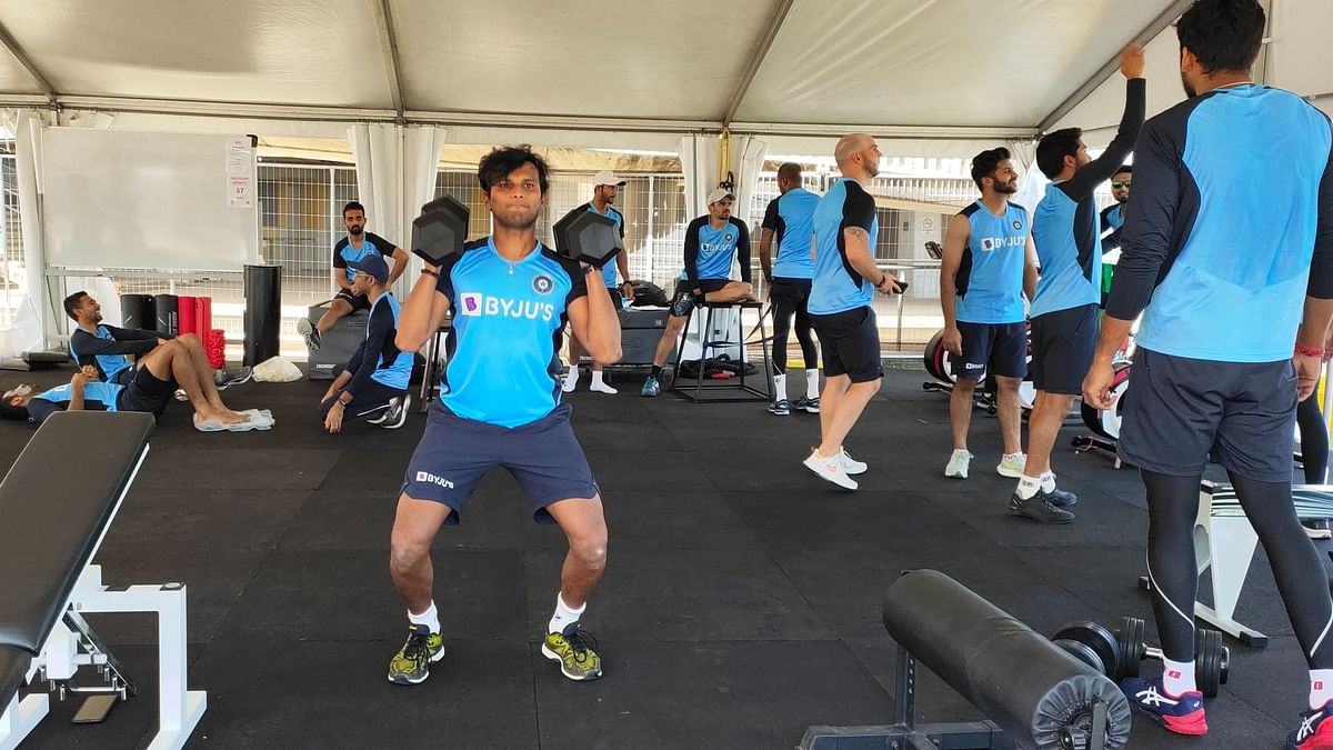 Some restaurant food for Indian cricketers' thought in Australia