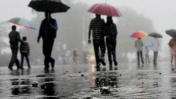 2020 yet to get over: Mumbai, Pune wakes up to unseasonal December rains