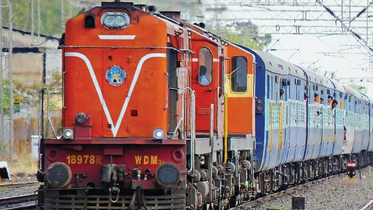 This can happen only in India: Train chain pulling cases surge in Mumbai with passengers avoiding COVID test