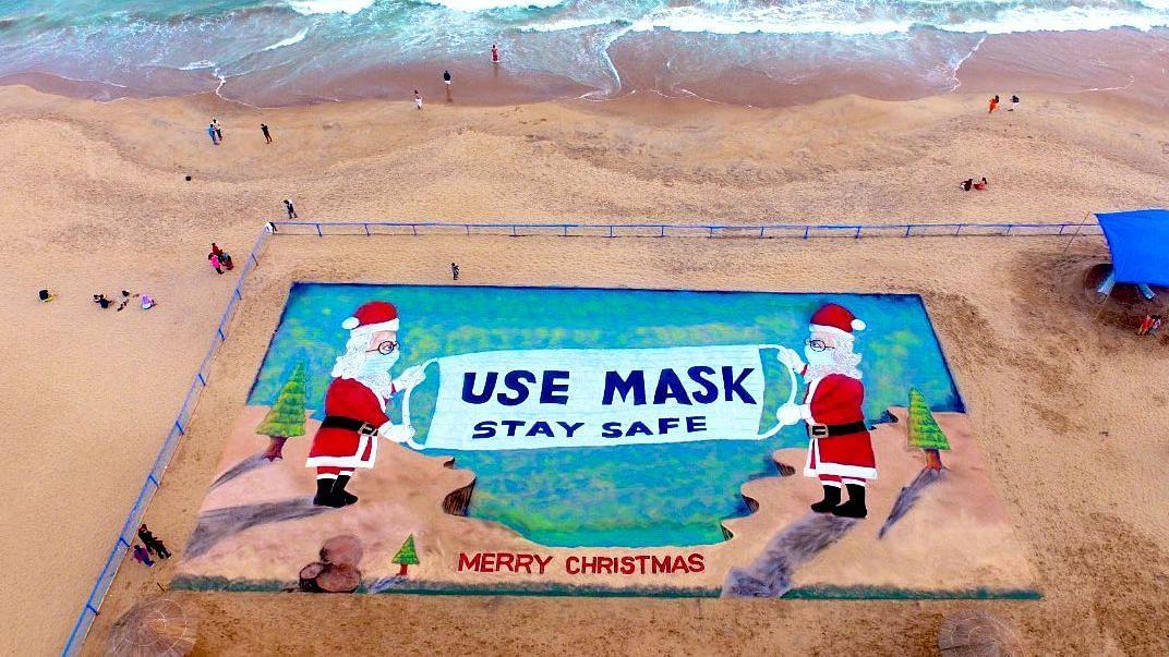 Christmas 2020: Sudarsan Pattnaik creates huge 3D Santa Claus; attempts new world record