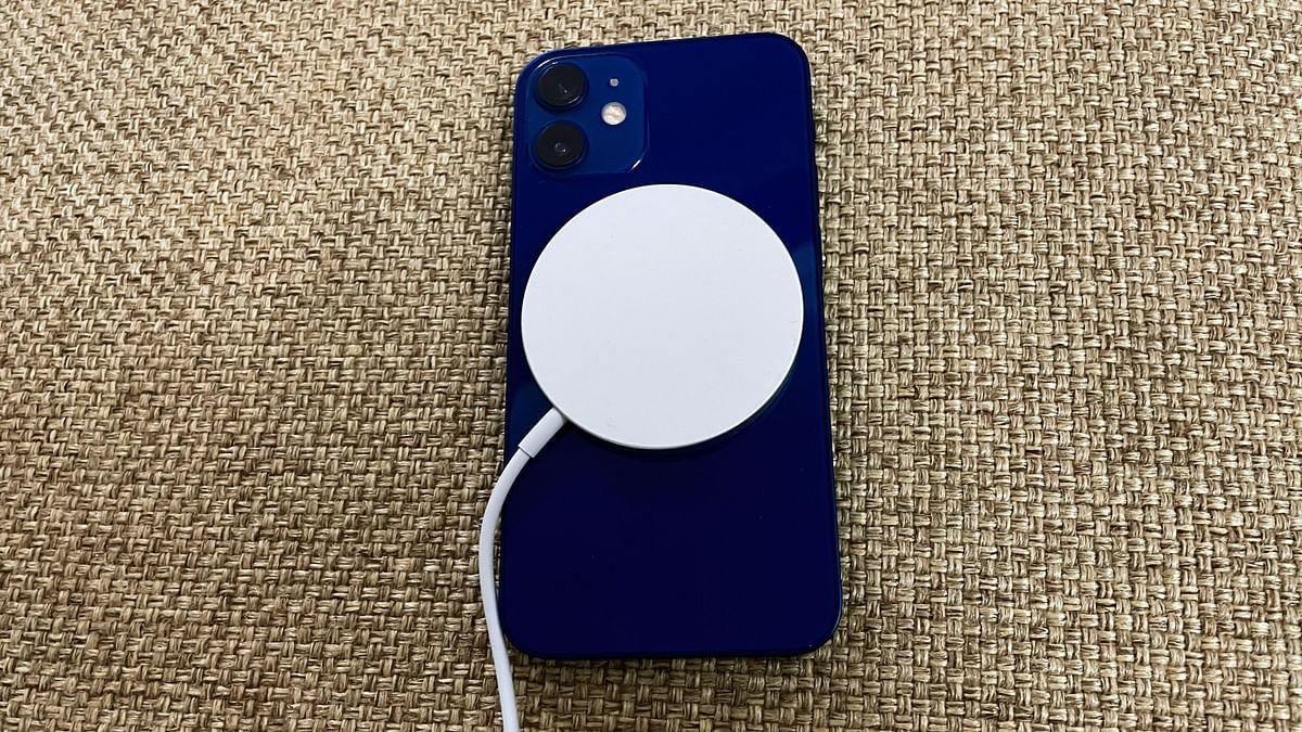You can use the MagSafe wireless charging for up to 15W.